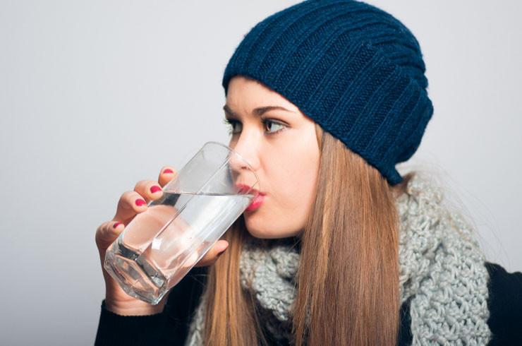 tomar-agua-en-invierno
