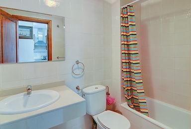 casa del mar bathroom example.JPG
