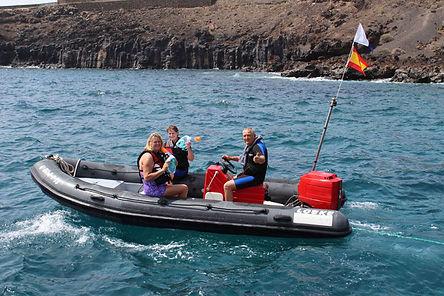 snorkelboat_1.jpg