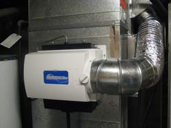 Flow Through Humidifier