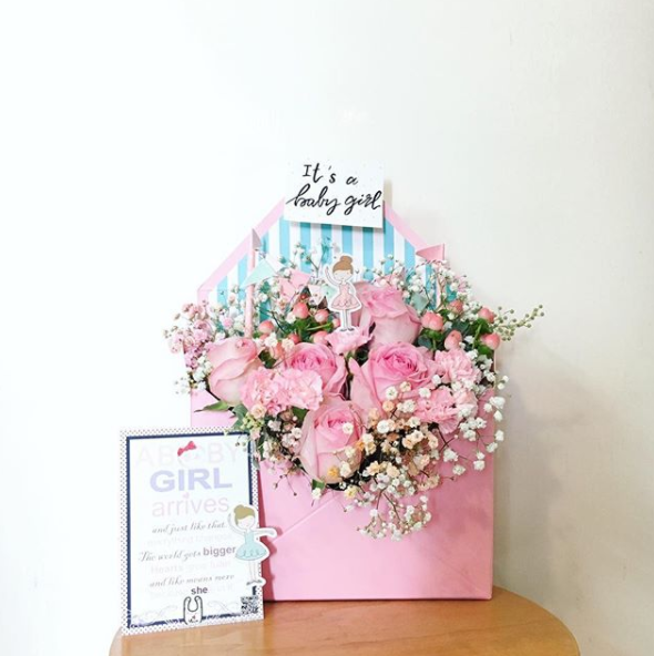 Newborn babygirl floral