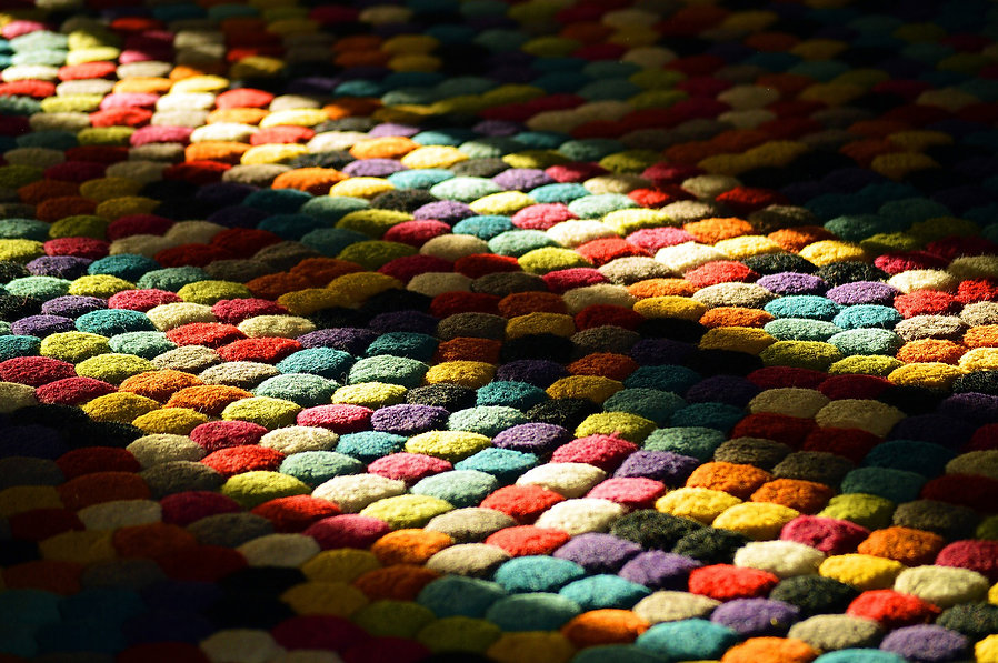 img_colorfulcarpet.jpg
