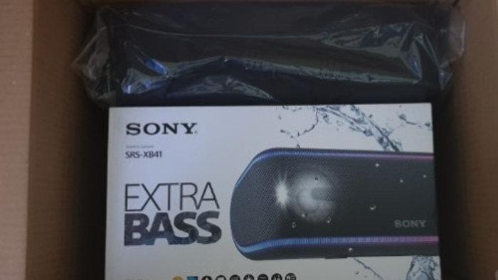 Sony xb41 più custodia da viaggio