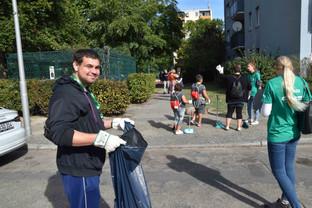 Clean_Up_Day_Website-0027.jpg