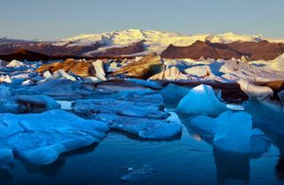 Joekulsarlon Glacial Lagoon, Iceland_res