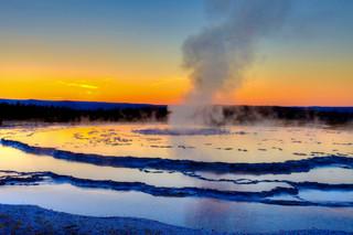 Great Fountain Geyser, Yellowstone_resiz