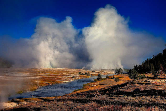 Midway Geyser Basin, Yellowstone_resize.