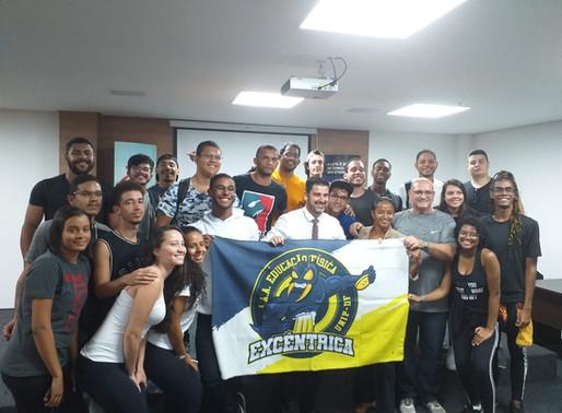 CREF7 recebe alunos da UNIP e UNIPLAN