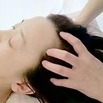 頭のマッサージ 心地良い Healing Beauty Salon Maitrii
