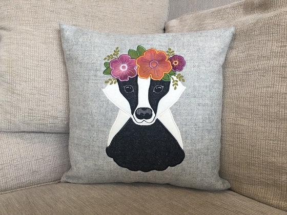 Mrs Badger (tweed)