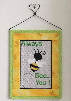 bee you ! + bonus quilted background