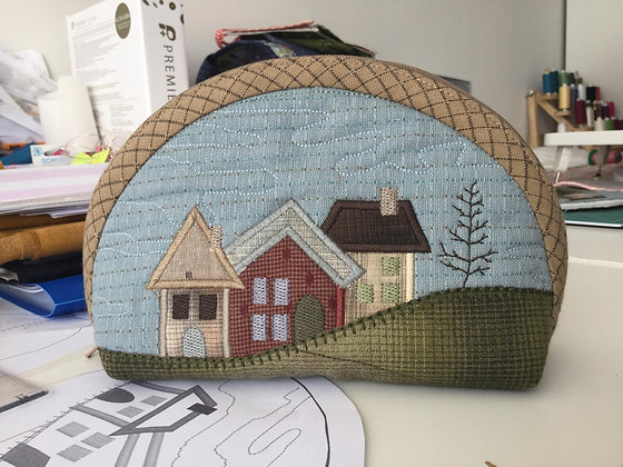 curved houses pouch embroidery design and pdf instructions