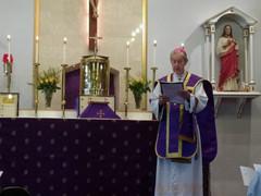 Emeritus Archbishop Hickey celebrating Holy Mass
