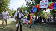 AKL Party Jugglers, CIRCUS Art Festivals, CIRCUS PICNIC Entertainers, Performers, Talents Show at ART OUTSIDE, Austin City
