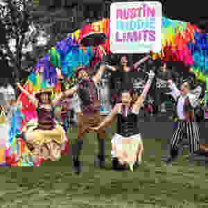 circus performers at Austin City Limits