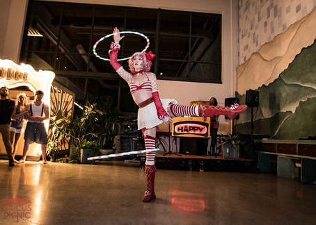 Hulahooper performs for CIRCUS PICNIC Spectacular Party