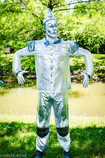 The Tin man from the Wizard of Oz is at a CIRCUS PICNIC children's party