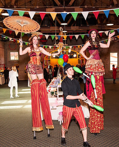 The Stilt Walkers and Jugglers, CIRCUS PICNIC Entertainers, Performers, Talents, Circus Themed Corporate Celebration, CIRCUS PICNIC First Class Entertainment Show, Texas