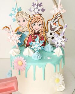Drip cake Frozen