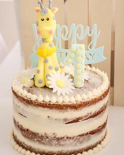 Semi nude cake Jirafa