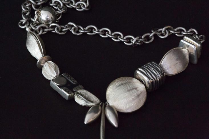 Contemporary silver necklace.jpg