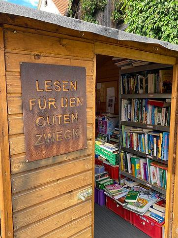 Bücher-Hütte_klein.jpg