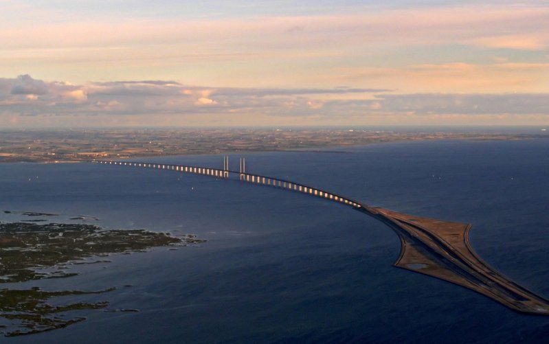 Oresund_Bridge_Tunnel_Copenhagen_Malmo02.jpg