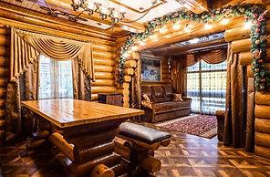 Русский дом общая комната.jpg