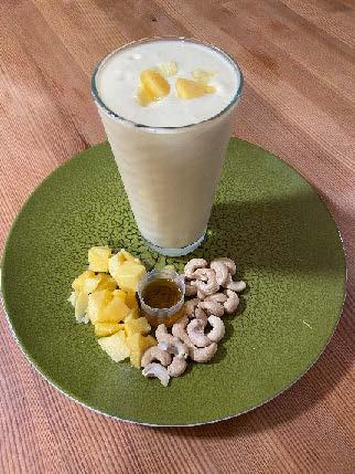 Mango-Cashew Smoothie