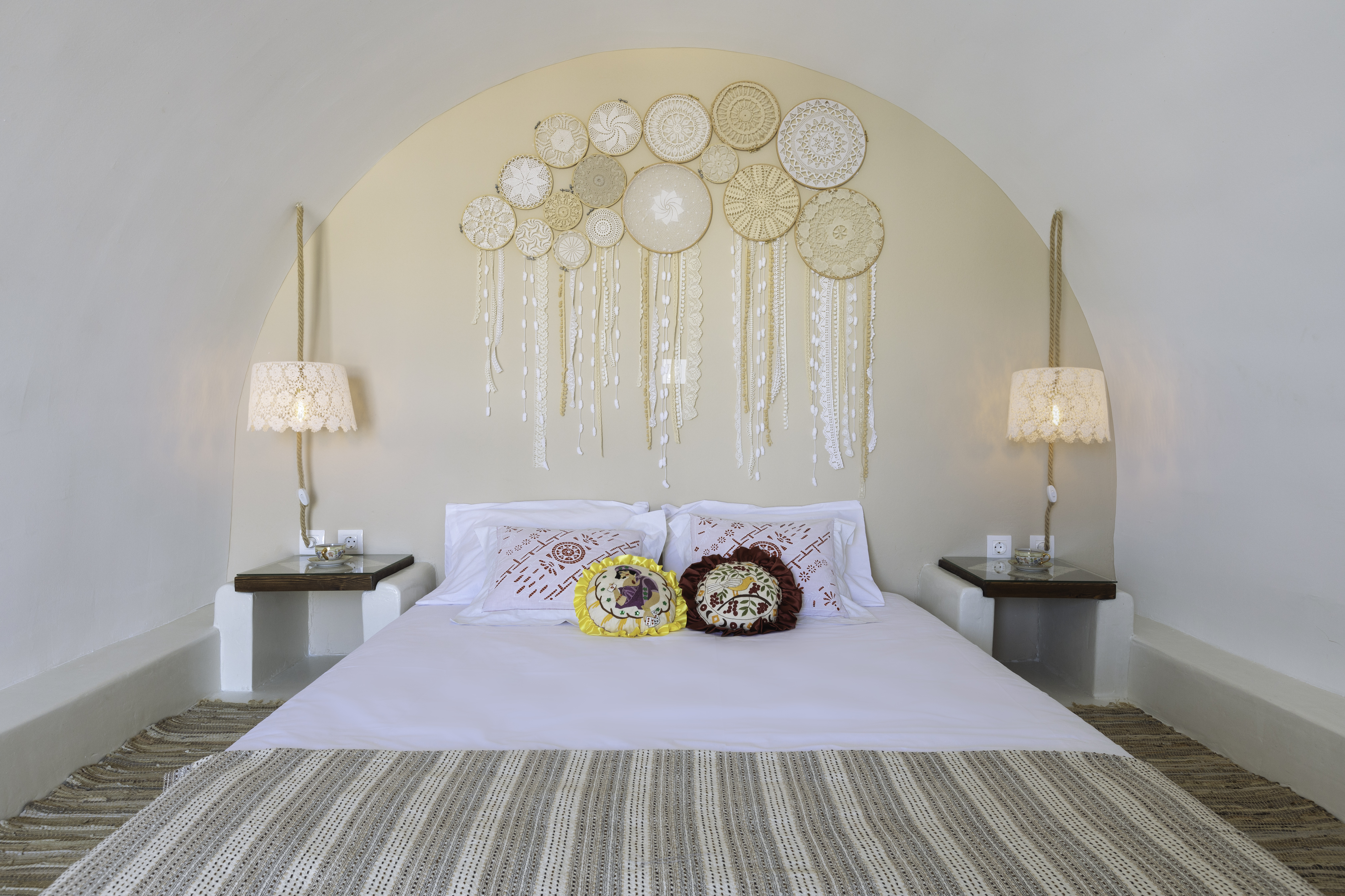 gorgona traditional bed decoration