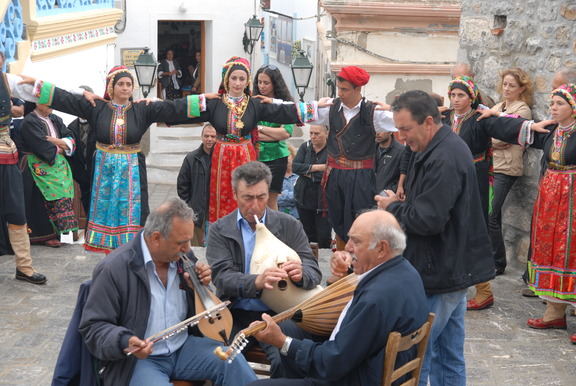 COVER-PHOTO_GREECE_KARPATHOS_traditional-festival_CkARPATHOSSARIA-REGIONAL-PARK