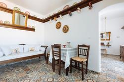 gorgona traditional dinning room