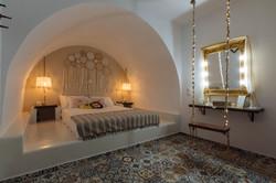 gorgona traditional bedroom swing