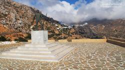 war-memorial-in-menetes-karpathos