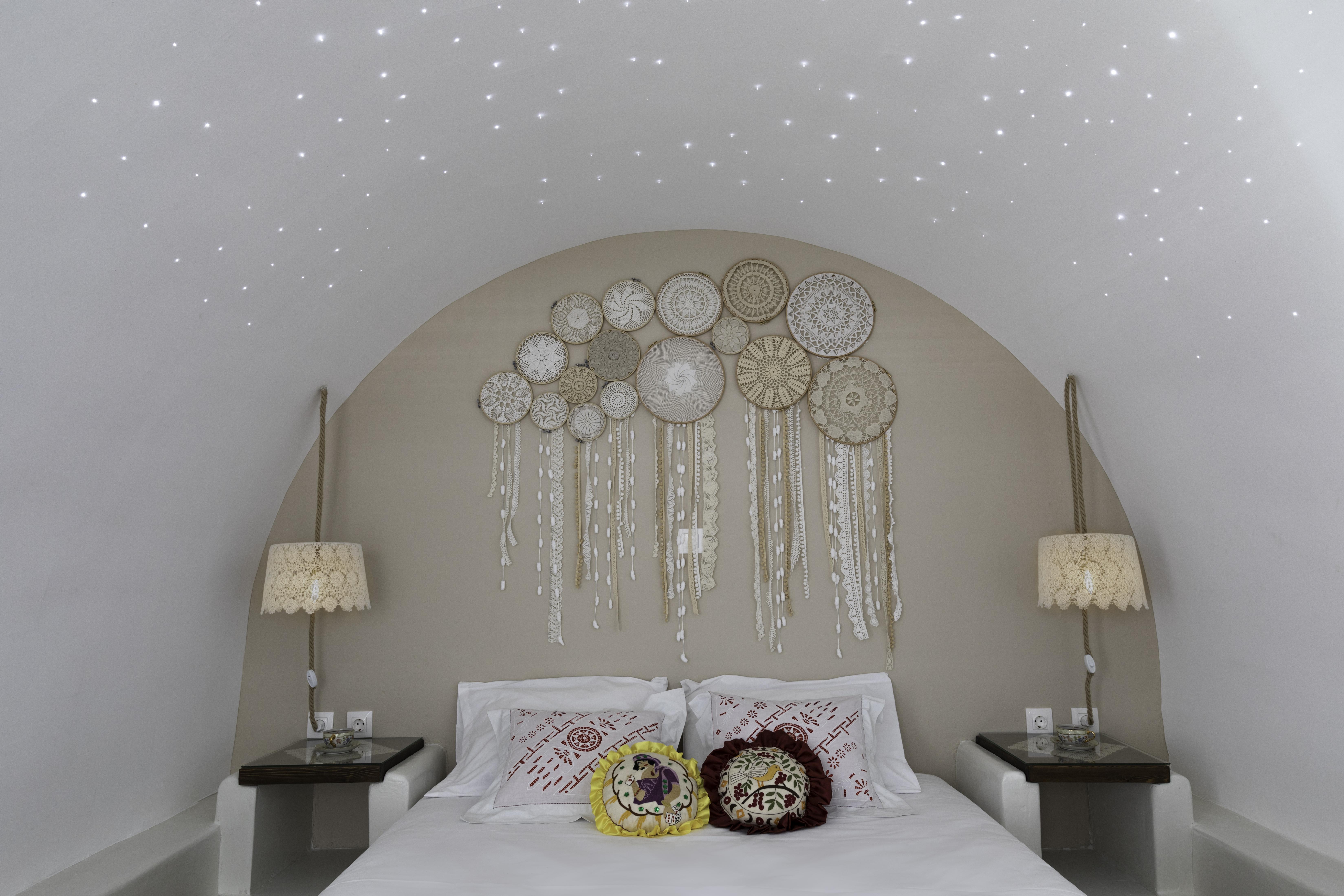 gorgona traditional night lights
