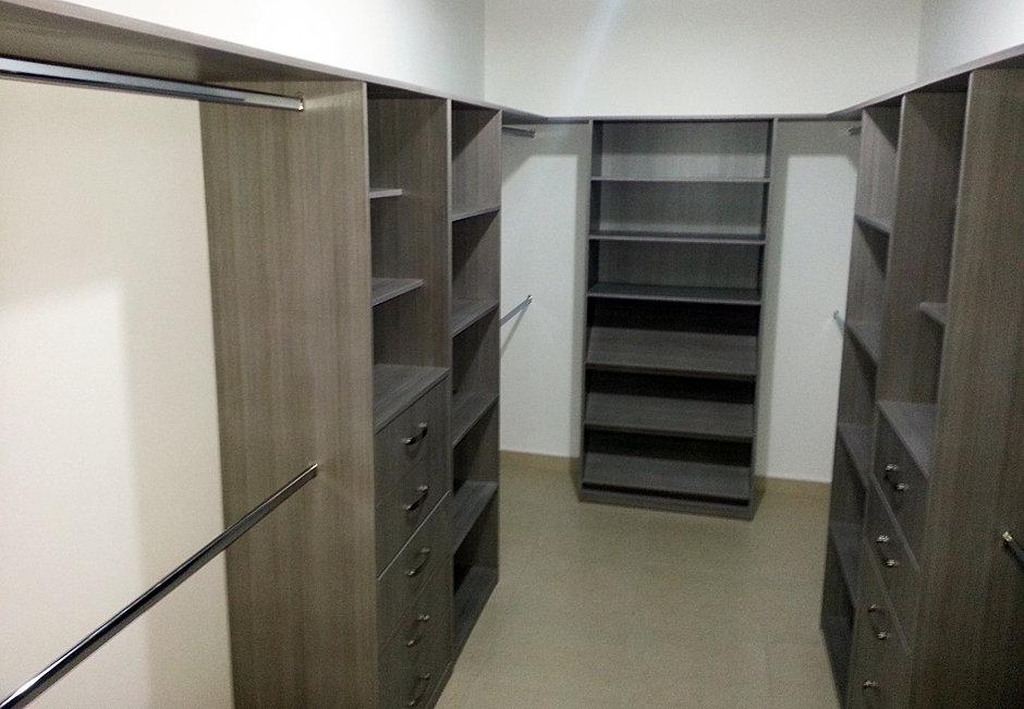 Siena cocinas closets y vestidores for Closet economicos en monterrey