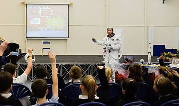 a visit from a spaceman for the year 5 E