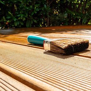 Bangkirai geriffelt Terrassenholzdiele reinigen und ölen