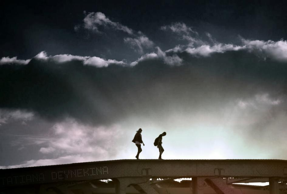 SKYWALKERS ( GORKY PARK IN MOSCOW )