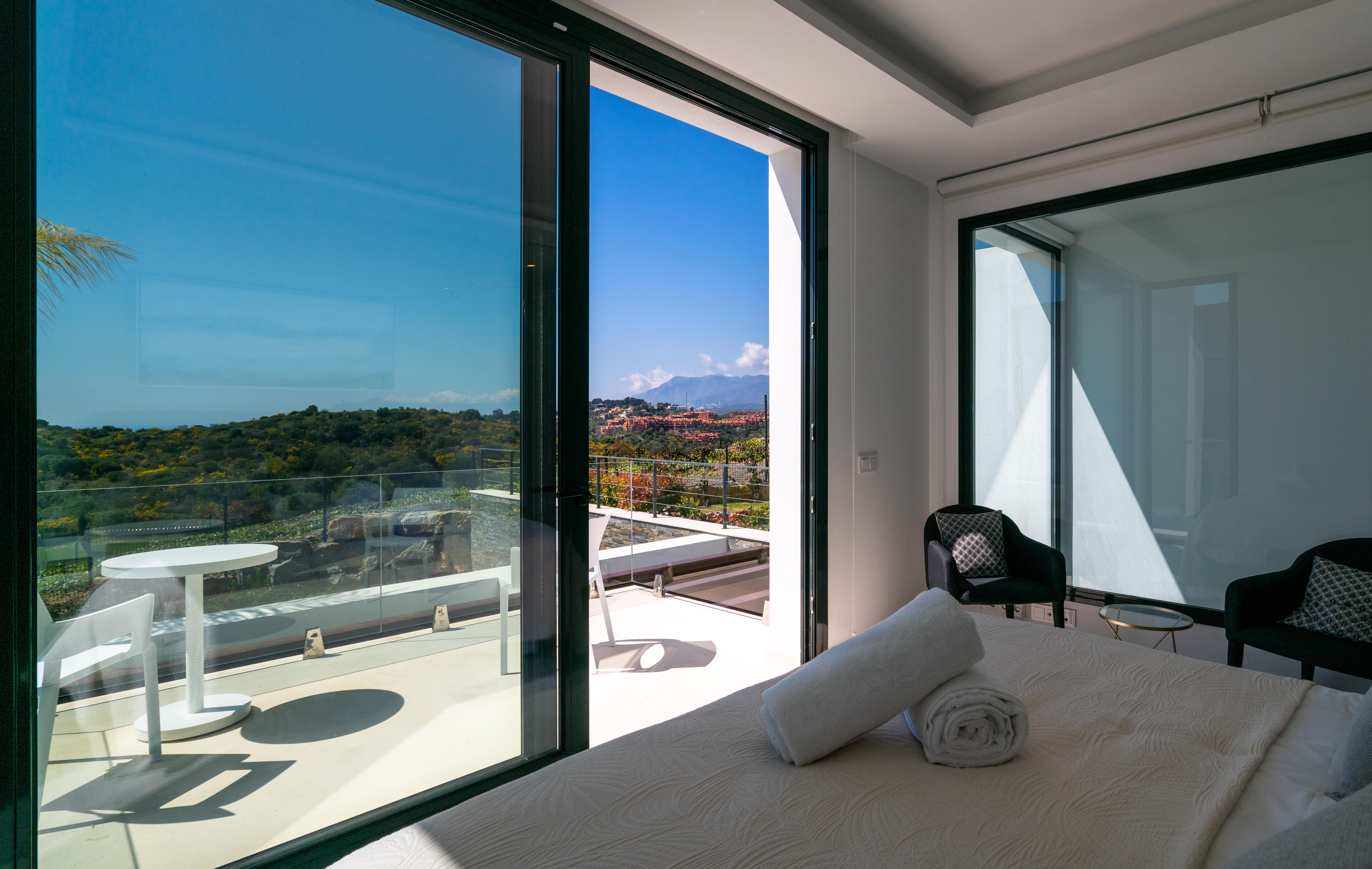 Cabopino Golf - Main Bedroom 1