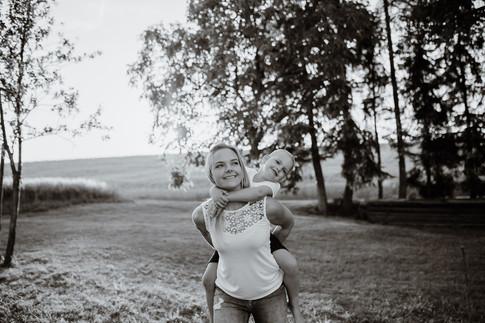 Fotograf aus Eferding in Oberösterreich für Hochzeiten, Paare und Familien. Ich fange eure Liebe und eure Emotionen authentisch, echt und ungestellt ein. | Michael Steininger Fotografie Paarshooting, Familienshooting in Oberösterreich