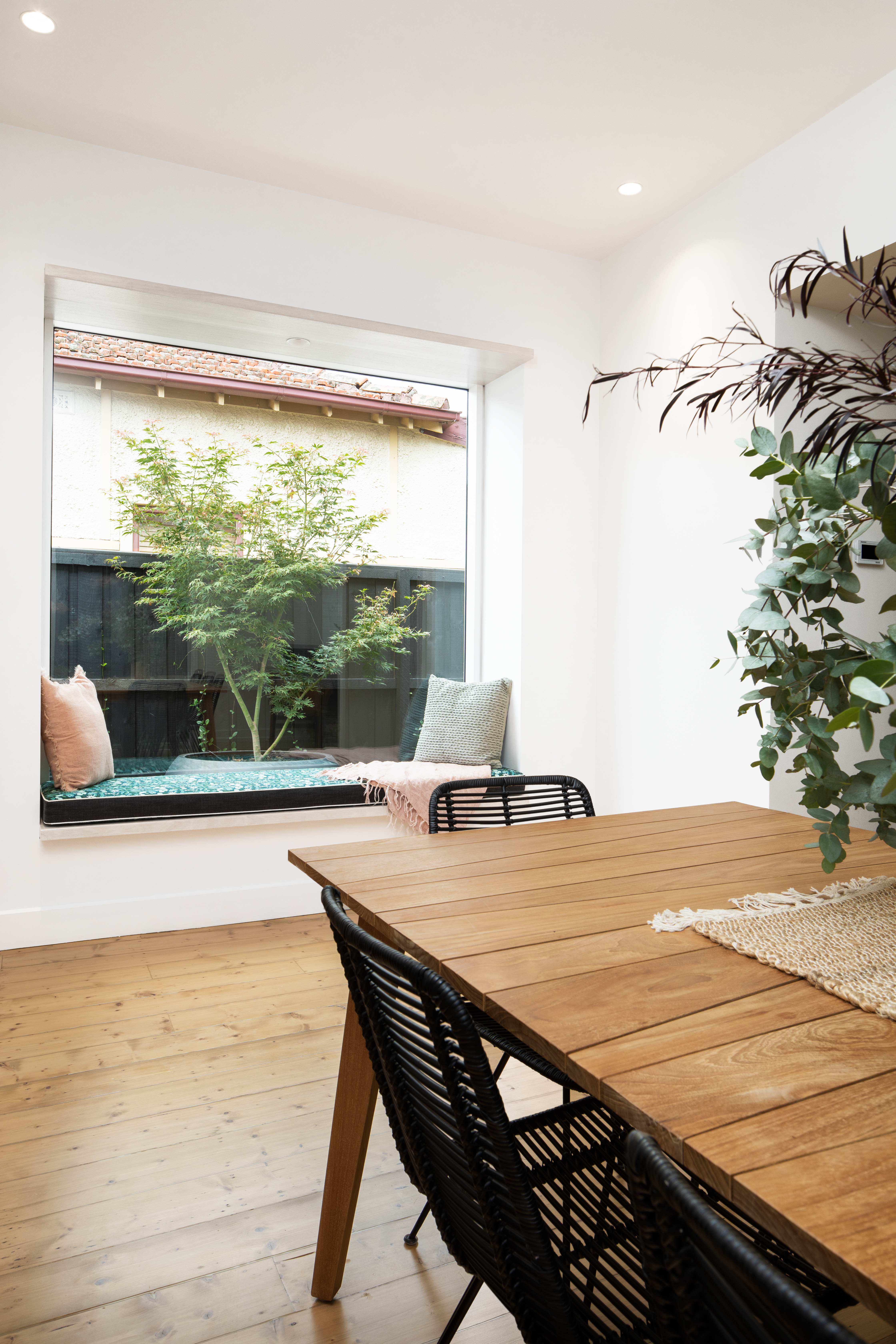 Thornbury Dining Window Seat