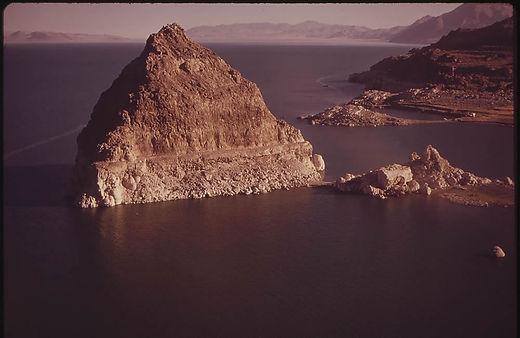 pyamid-lake-nv.jpg
