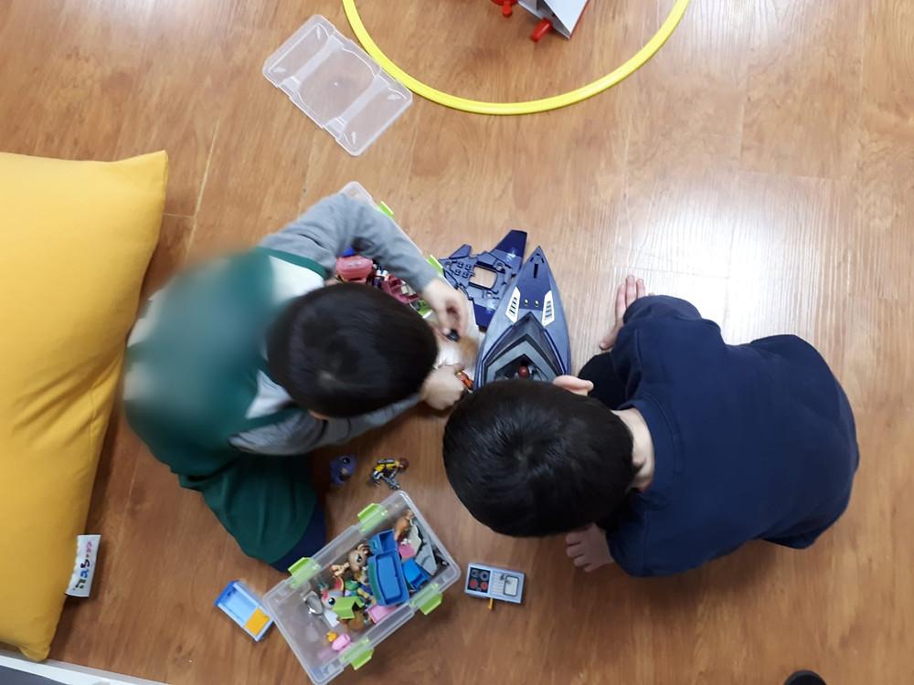 טיפול בקשיים חברתיים לילדים
