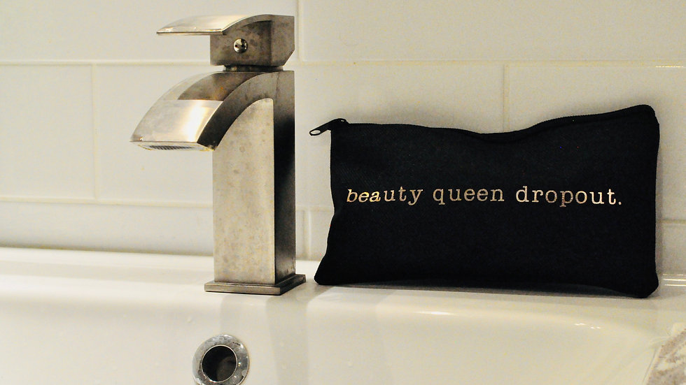 The practical (but cute) makeup bag