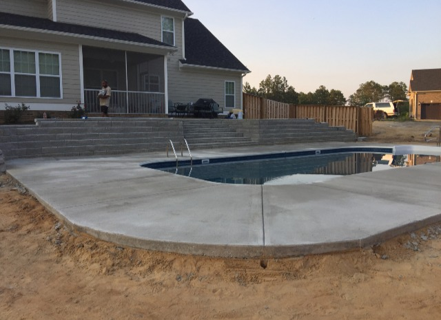 Custom Retaining Walls & Patios