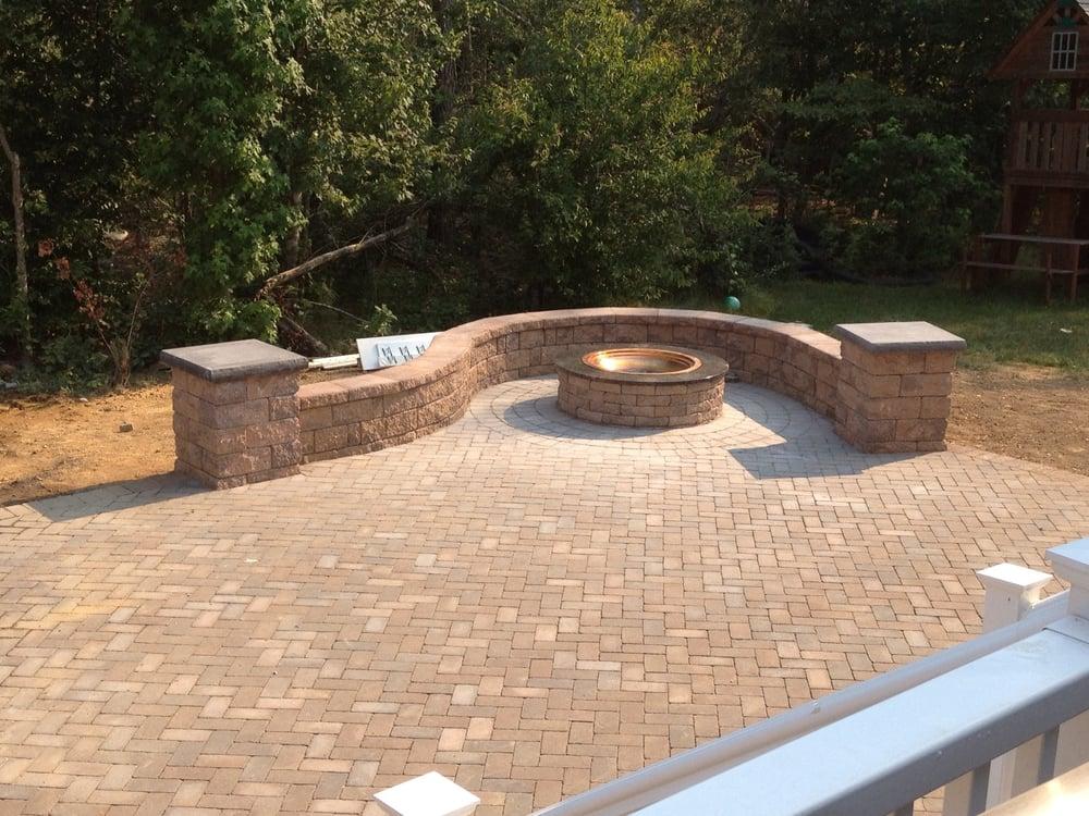 Servicios patio/fogueo de piedra