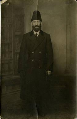 Yukel Nesker (Nisker) in fur hat, ca. 1920s. OJA, item 3039.