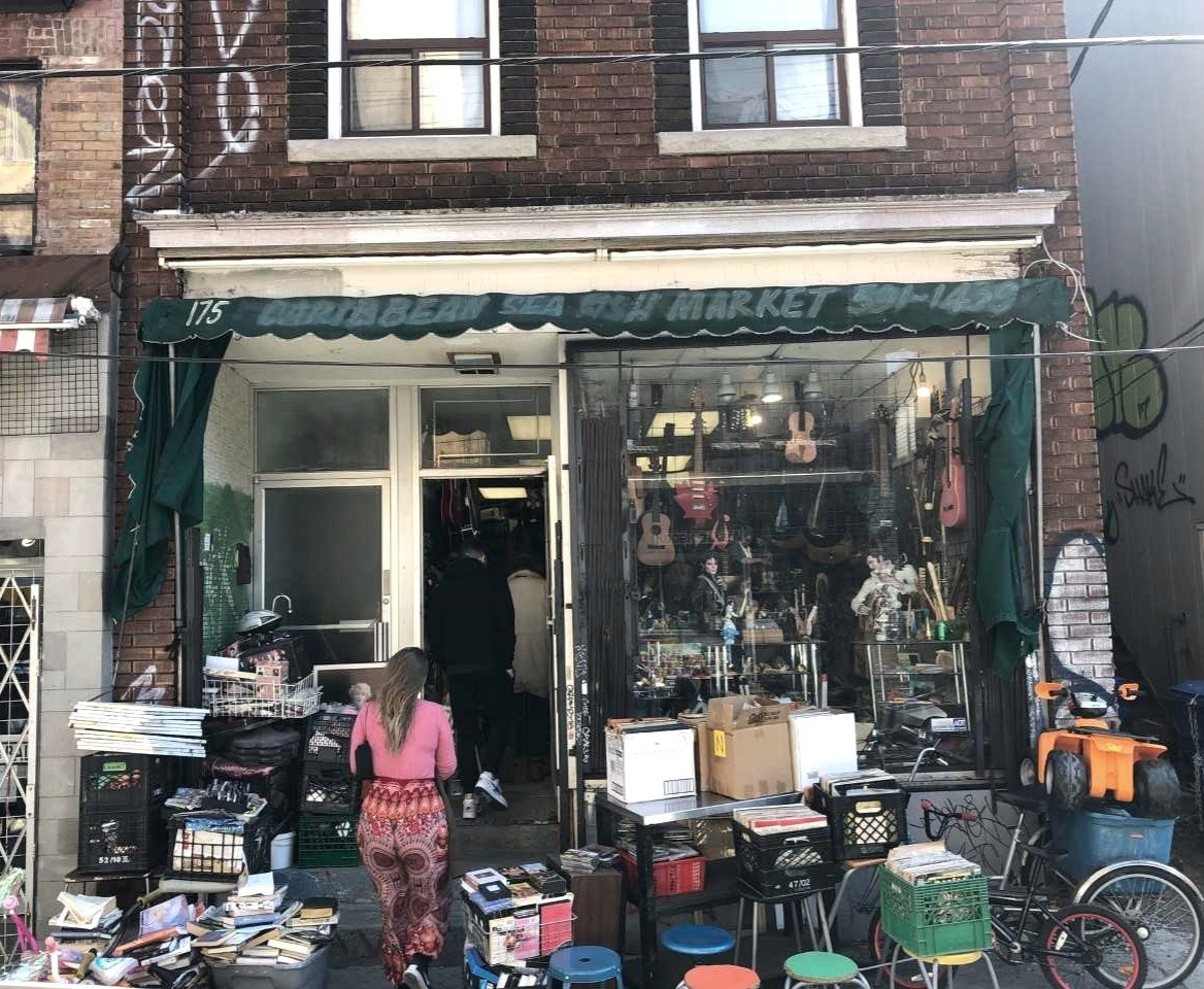 Today, 175 Baldwin Street is home to this business. Photo credit: Erica Chi.