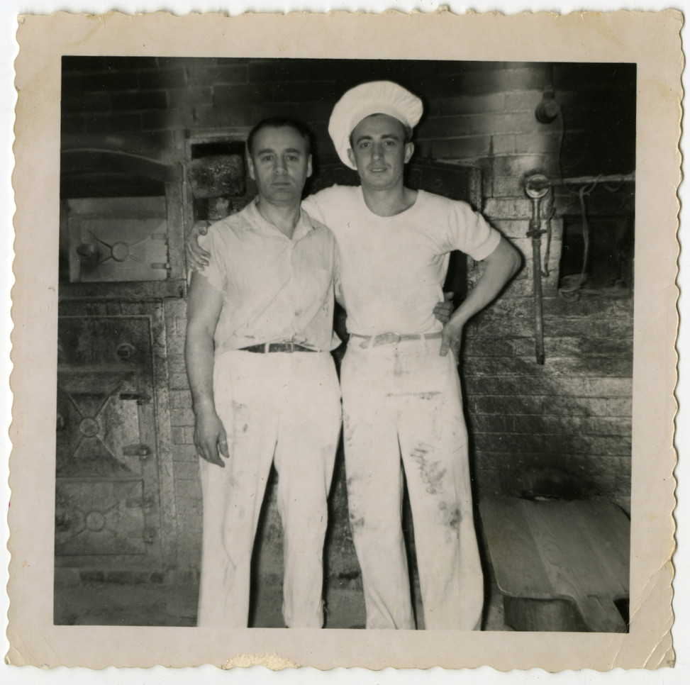 Dave Perlmutar (left) and baker, 1951. OJA, accession 2019-1-5.